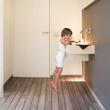Quickstep bathroom laminate flooring quickstep majestic woodland oak quick step laminate grosvenor flooring tyukafo